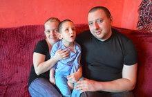 Procházejí Českem za chlapce (6): Ušli už 150 kilometrů pro Alexe!