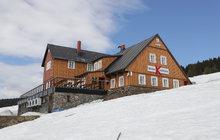 Poslední pozůstatek zimy: V Krkonoších je 10 metrů sněhu!