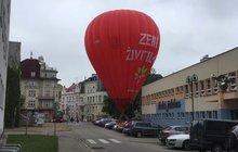 V Českých Budějovicích měli o podívanou postaráno: Nefouká, jdeme dolů!