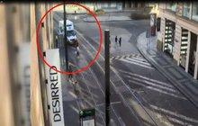 Opilý řidič náklaďáku v zákazu: Strážníci, jděte do pr**le!
