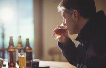 Polepšil Putin své Rusy? Pijí prý o 43 % míň!