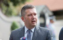 Zeman odvolá ministra kultury Staňka, ale...