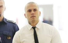 Leo Beránek (29) z Hotelu Paradise u soudu: Noha mu prý vykopla sama!