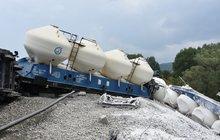 Nehoda vlaku s vápnem: Z neštěstí mohla být tragédie
