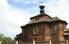 Dřevo, kam se podíváš - Kostel sv. Jiří v Loučné Hoře