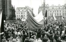 Teď se nám žije lépe, než před rokem 1989! To si myslí 45 procent Čechů nad 40 let. Opačný názor má 38 procent lidí. Co dalšího z průzkumu 30 let po sametové revoluci vyplynulo?
