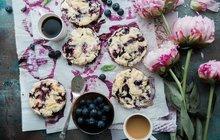 Recepty z darů lesa: Borůvkový koláč s drobenkou