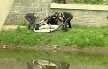 Dva muži (†51 a †62) při hádce spadli do Bečvy: Jeden zemřel po vytažení z vody, druhý v nemocnici