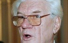 Tajemství Jaroslava Moučky: Jeho bratr se podílel na mučení politických vězňů!