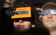 Chcete sledovat zatmění Slunce? Sluneční brýle opravdu nestačí! Podívejte se, čím zrak chránit!