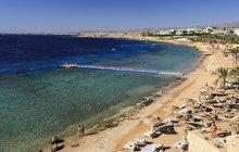 Útok žraloka v Egyptě: Turisté jsou otřeseni, pláž zavřeli, ale místní dělají jako by nic... Umírali i další Češi