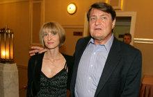 Ladislava Štaidla (73) po 17 letech vztahu opustila přítelkyně Míša Novotná (43)! Copak za naprosto nečekaným krachem jejich lásky asi vězí?!