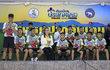 Thajští chlapci a jejich trenér, kteří strávili necelé tři týdny uvězněni v jeskyni, včera opustili nemocnici. Po cestě domů se zúčastnili tiskové konference, kde chlapcům byly položeny psychologem schválené dotazy.