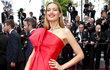 Slet slavných osobností (nejen) filmového světa v rámci 72. ročníku festivalu v Cannes nabídl českou stopu, a to pořádně výraznou! Po Evě Herzigové (46) se na jihu Francie objevila i další slavná krajanka, modelka Petra Němcová (39).