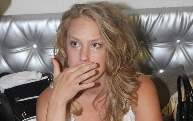 Má za sebou jednu z nejtěžších rolí v životě. Aneta Krejčíková (27), která každou chvíli přivede na svět vlastní miminko, musela v kůži seriálové Gábiny z Ulice sehrát, že podstoupila potrat. A to nebude zdaleka jediné překvapení, kterými bude Ulice po prázdninové pauze našlapaná.