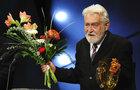 Ilja Racek (†88): Divadlo na Vinohradech po 2 týdnech zveřejnilo jeho nekrolog!