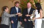 Princ Harry s těhotnou Meghan v Austrálii:  Náušnice od Diany a botičky pro mimčo