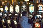 Velká zpráva o hazardu: Češi utopili v »matech« 250 miliard