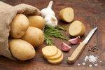 Máte doma staré brambory? Víme, jak je zachránit a zužitkovat