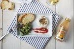 Salát z polníčku s balzamikovým krémem a grilovaným camembertem