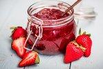 Nejlepší jahodové marmelády: Klasická, s mátou i podle Ládi Hrušky