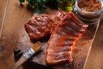 Nejlepší grilovací marinády! Jak naložit kuře, žebra, vepřové i ryby