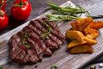 Marinované steaky na gril: Hovězí, vepřové i kuřecí. Každý jiný a všechny skvělé!