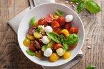 VIDEO: Šéfkuchař vás naučí osvěžující letní salát caprese