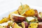 Opečené brambory s houbami