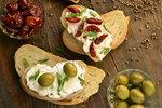 Nejlepší pomazánky na chlebíčky i na jednohubky
