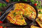 Rodinné večeře do 200 Kč: Zapečené papriky, špecle nebo španělská omeleta