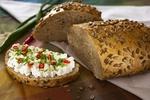 Chléb s bramborami a slunečnicovými semínky