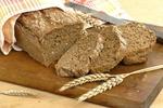 Chléb z celozrnné mouky