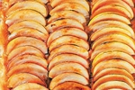 Jablečný koláč s karamelovým přelivem