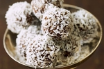 Nepečené kokosovo-čokoládové kuličky