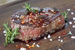 Česnekovo-sojová marináda na hovězí steak