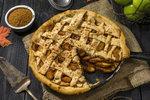 Milovníci jablek jistě ocení tenhle linecký mřížkovaný koláč.