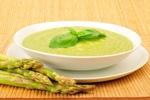 Krémová polévka s bílým chřestem a krevetami