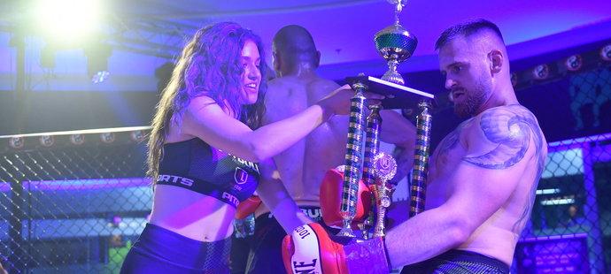 Patrik Kincl ovládl svou boxerskou premiéru