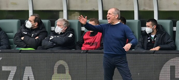 Trenér Jablonce Petr Rada během utkání proti Zlínu