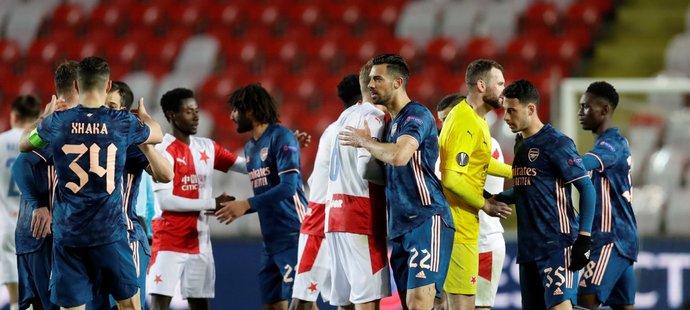 Smutní slávisté po vyřazení ze čtvrtfinále Evropské ligy proti Arsenalu