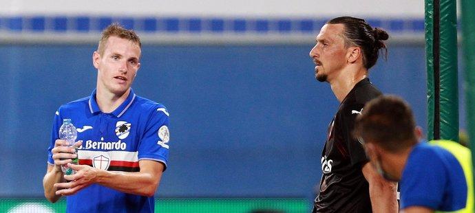 Jakub Jankto při zápase Sampdorie s AC Milán po boku Zlatana Ibrahimovice