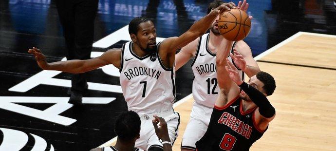 Chicago podlehlo Brooklynu, předkolo play off už je téměř nemožné