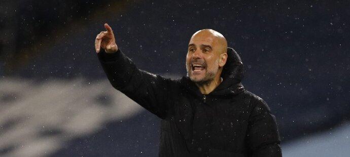 Pep Guardiola slaví další titul se City