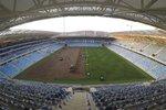 Na stadionu Tehelné pole už byl položen trávník z Holandska