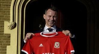 Giggs kašlal na přáteláky, teď povede Wales. Inspiraci hledá u Fergusona