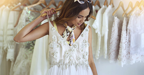 c67266e587fc Nejkrásnější svatební šaty – minimalistické i krajkové