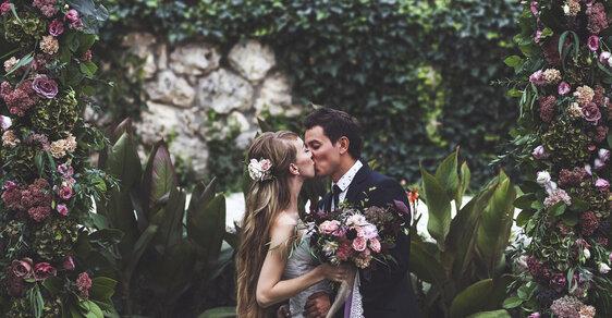 svatební šaty zavěsit vlak nejlepší afroamerické online seznamky