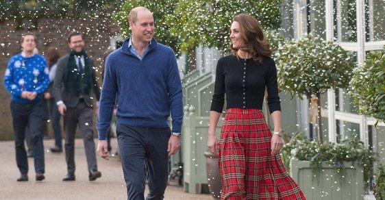 Princ William a vévodkyně Kate pořádali v Kensingtonském paláci vánoční večírek.