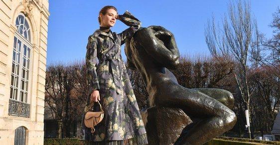 Natalia Vodianová před přehlídkou Christian Dior haute couture